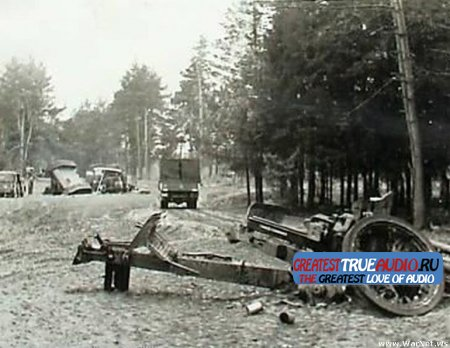 Таранная атака немецкой колонны советскими танкистами .....